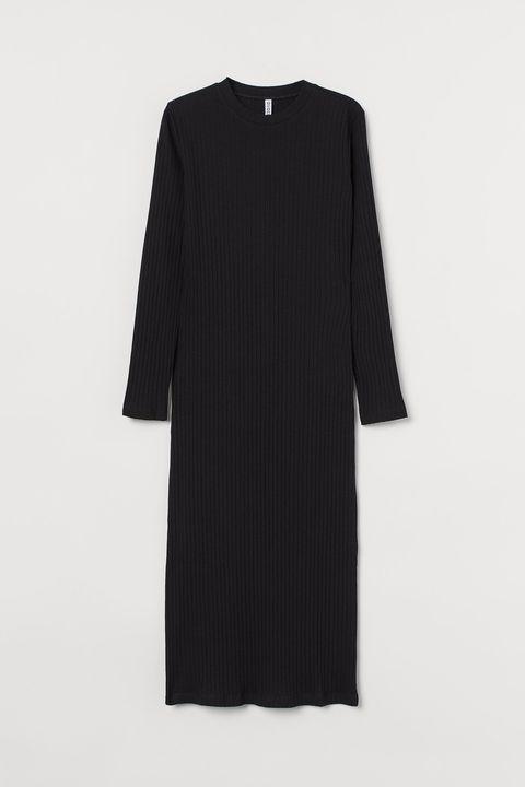 7 vestidos negros para un look de fiesta en casa