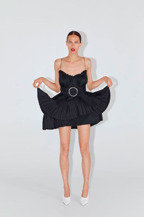 que buen look precios de remate fuerte embalaje Paula Echevarría con vestido corto de tirantes finos de Zara