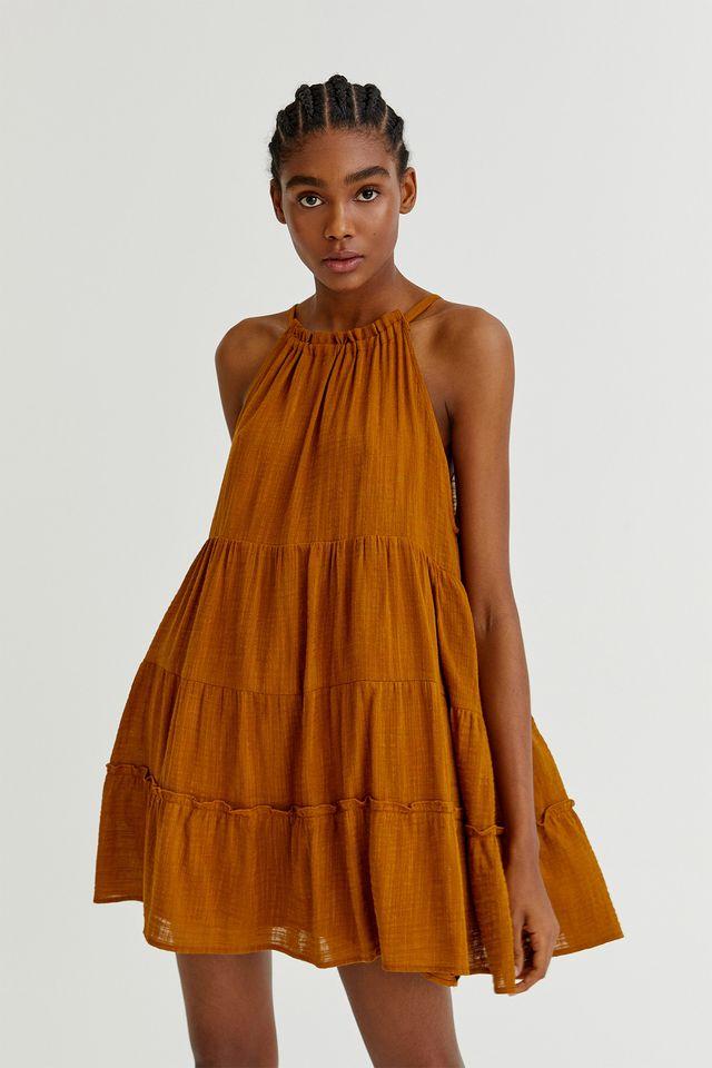 vestido corto con vuelo de pull  bear