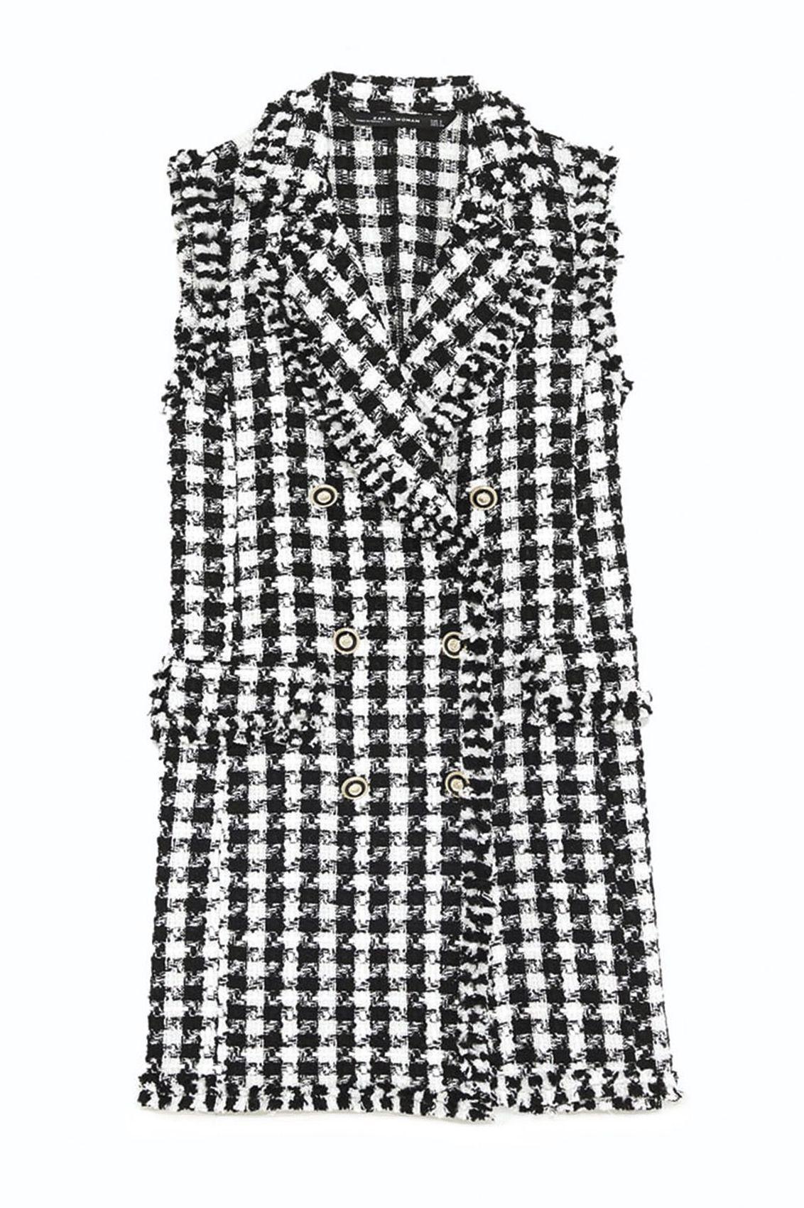 En un total look o combinado, el clásico blanco y negro nunca falla. Hazte con la tendencia más favorecedora del otoño y presume del dúo más fashion dentro y fuera de la pasarela. Ficha estas 10 prendas y complementos que te proponemos.