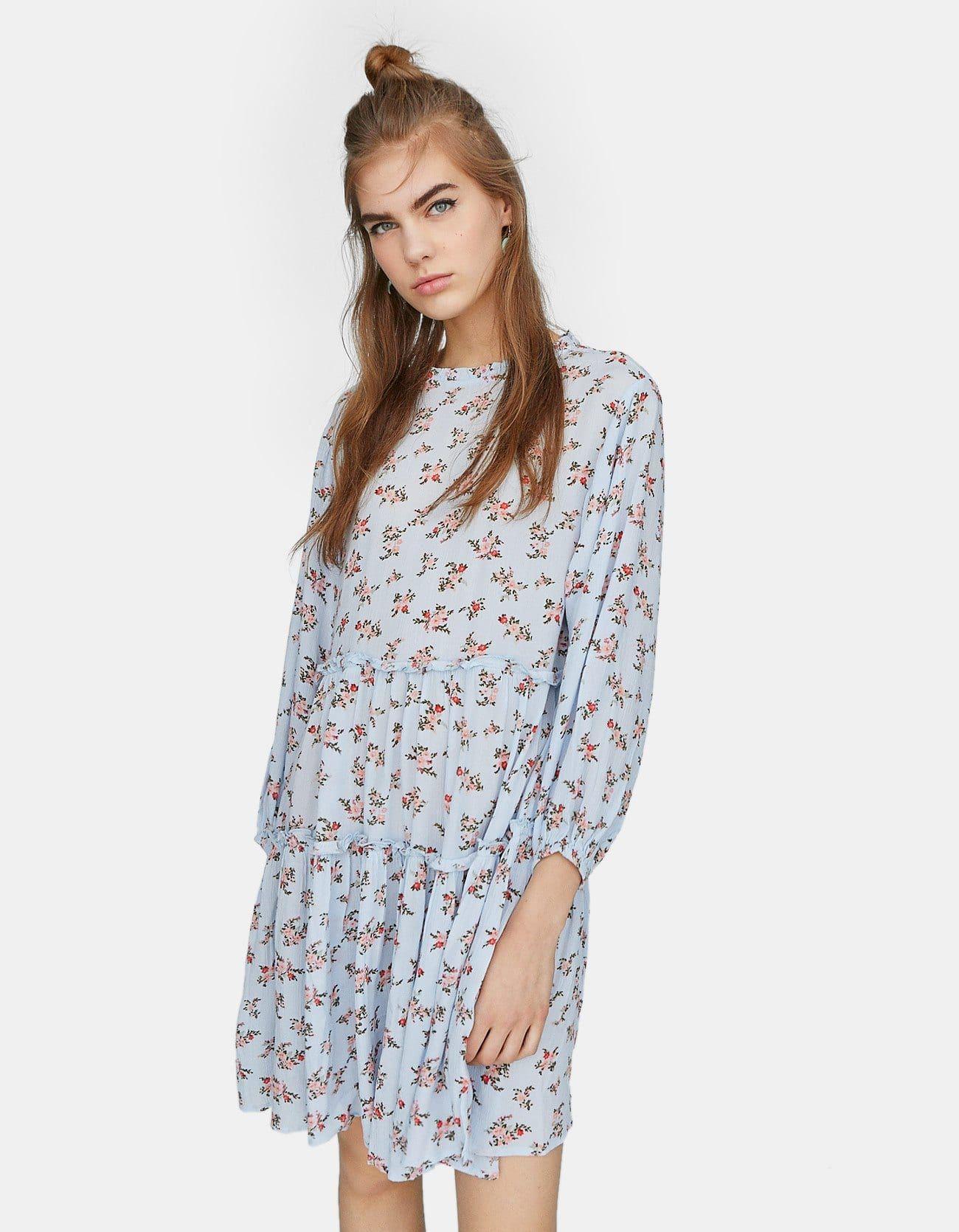 61c77630c9 25 formas de llevar el vestido de las influencers - El vestido campestre  que tienen todas las influencers
