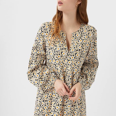 Clothing, Day dress, Dress, Sleeve, Outerwear, Neck, Cover-up, Pattern, Fashion model, Robe,