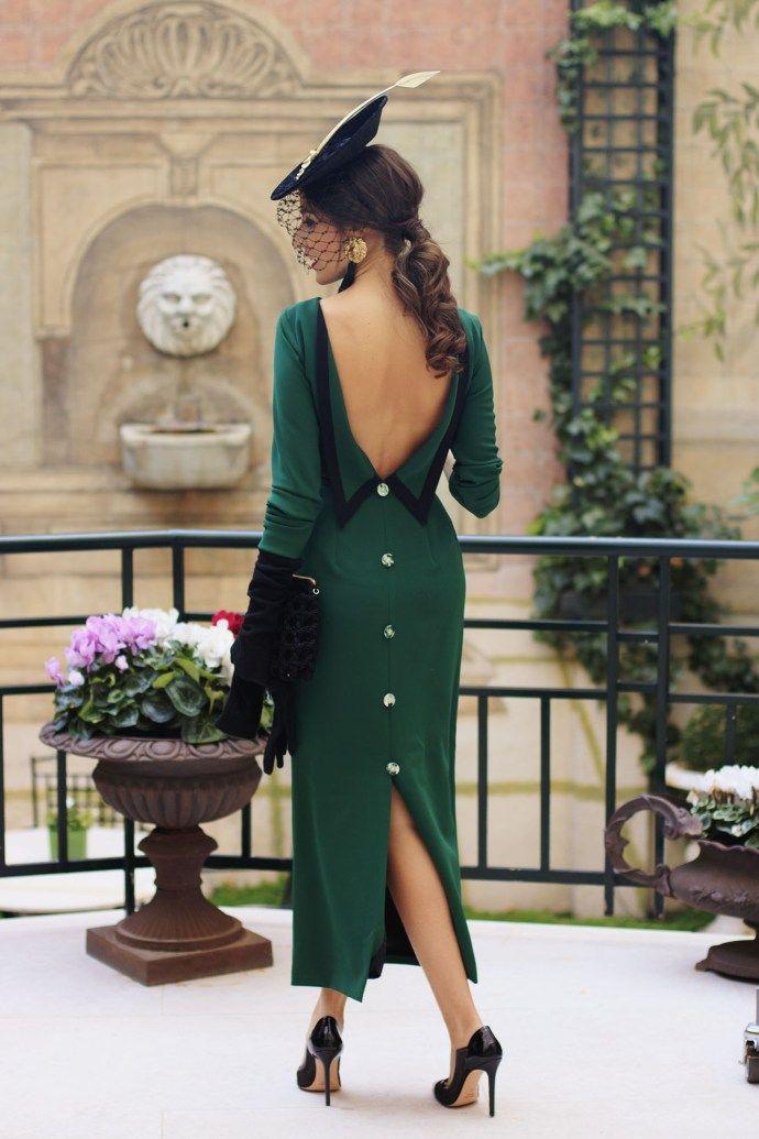 Vestido verde botella accesorios
