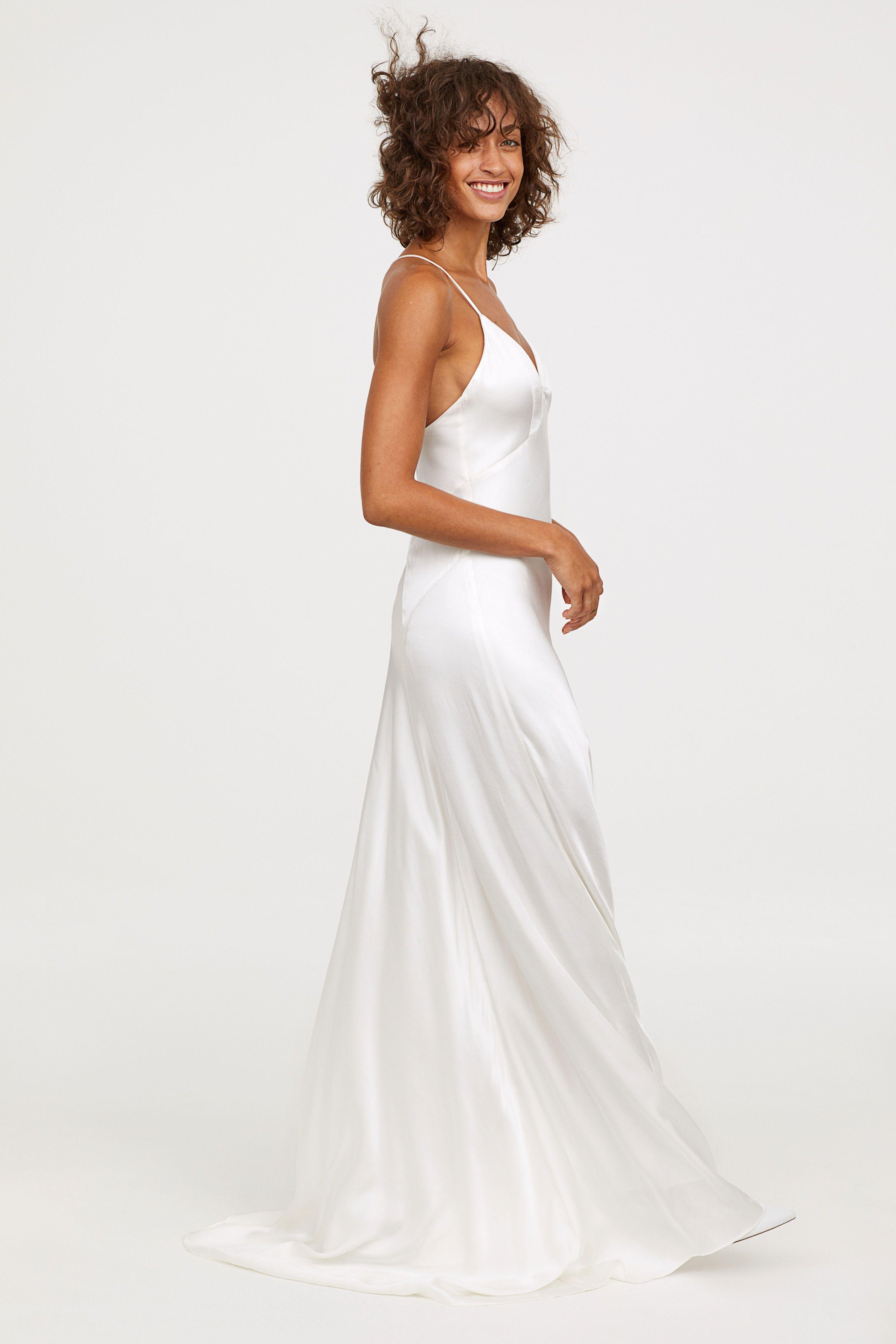 178454bda H M vende un nuevo vestido de novia muy barato y de estilo lencero