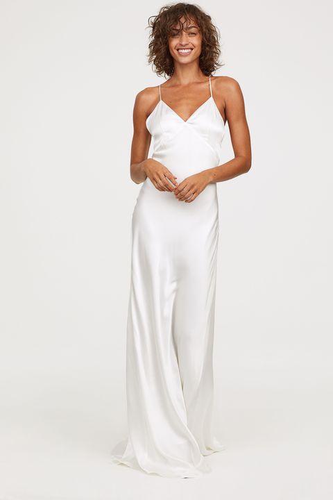6846f23f19 H M vende un nuevo vestido de novia muy barato y de estilo lencero