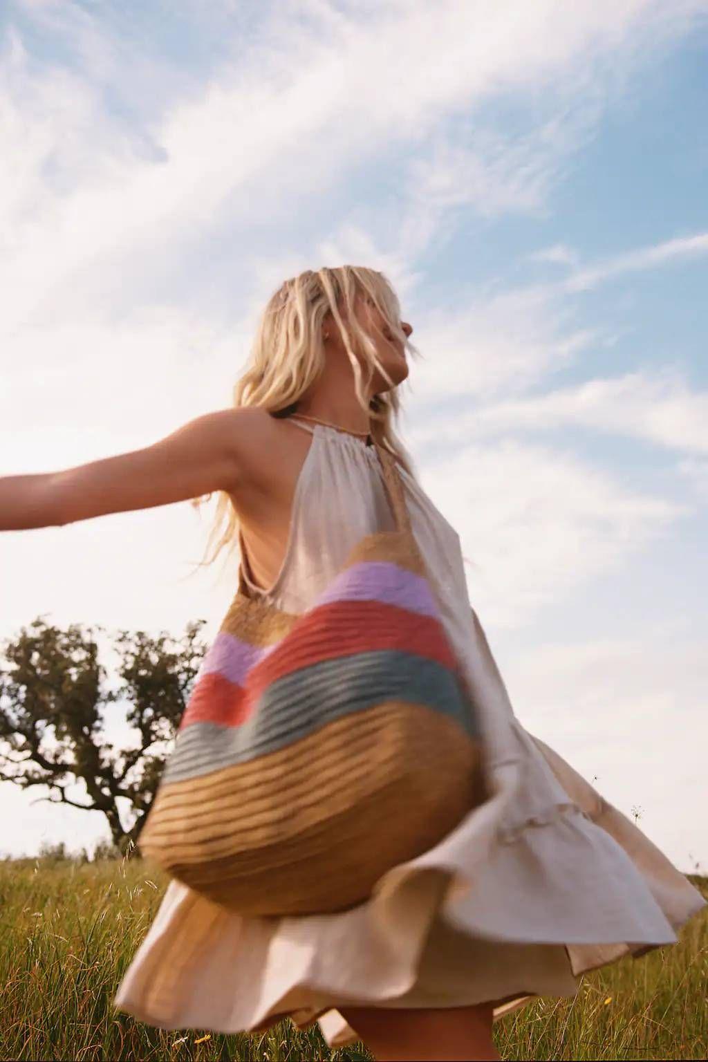 ¿Buscas un vestido para llevar con botas 'cowboy'? Este de Pull&Bear es para ti