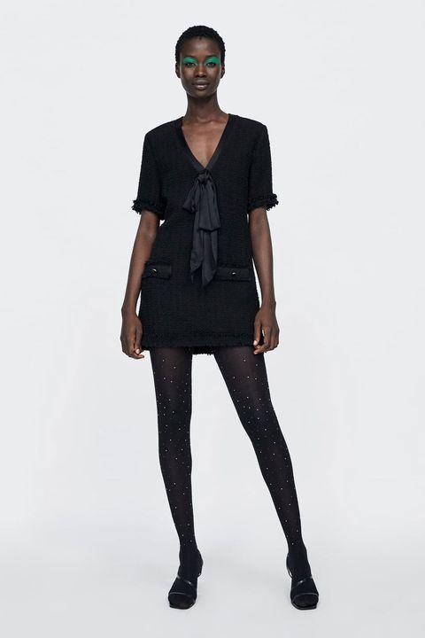 Clothing, Fashion model, Black, Shoulder, Fashion, Tights, Leggings, Standing, Fashion show, Neck,