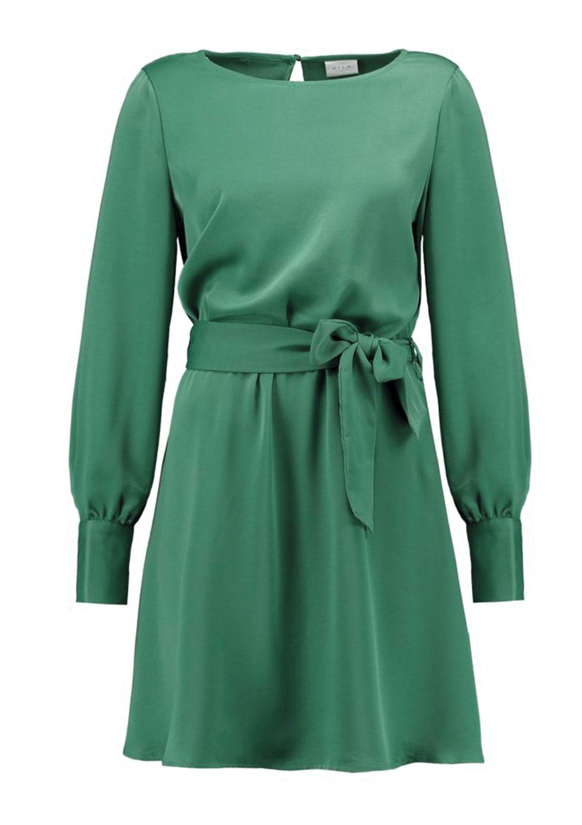 Seleccionamos 15 piezas, entre ropa y complementos, en el que color que triunfa esta temporada:el verde.