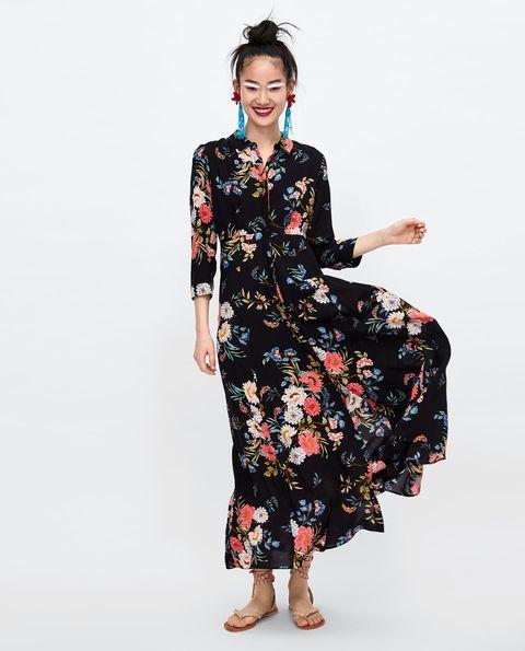 d7944e50e4 Tenemos la versión  low cost  del vestido de Sara Carbonero-Sara ...