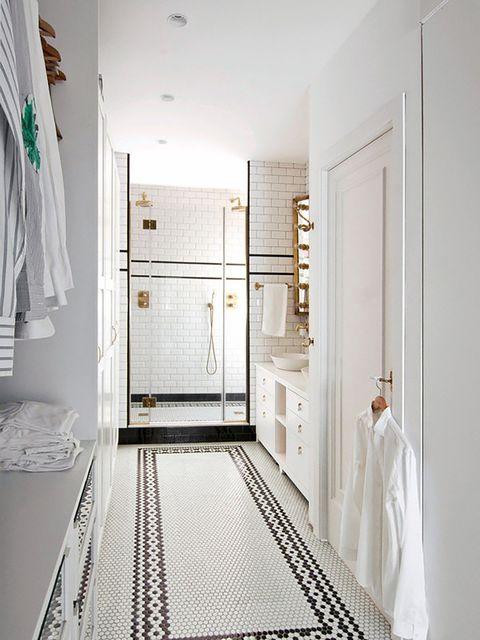 vestidor dentro del baño