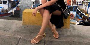 Vestido negro sandalias planas