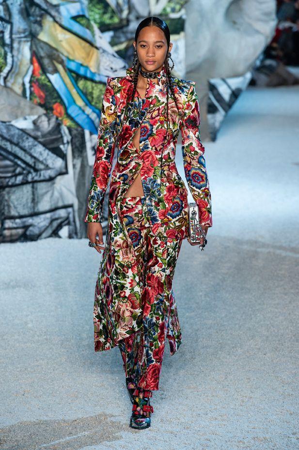 vestiti-a fiori-primavera-estate-2019-alexander-mcqueen