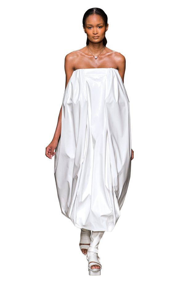 vestiti-bianchi-primavera-estate-2019-alberto-zambelli