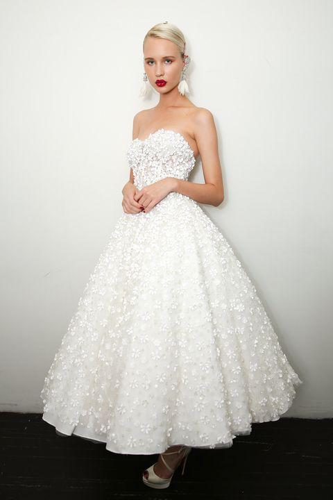 competitive price 95aab 9186e Vestiti da sposa: tutte le tendenze moda 2018