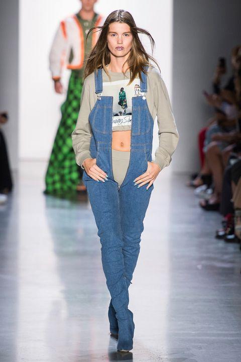 fc6fec187f28 Jeans moda Primavera Estate 2019  gli outfit più nuovi dalle sfilate