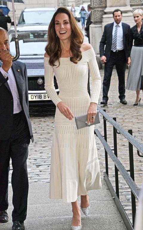 Abito Cerimonia Kate Middleton.Vestiti Cerimonia Estate 2019 Kate Middleton Ha Gli Abbinamenti