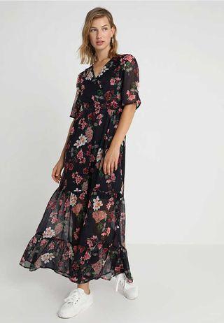 davvero economico ultima vendita scegli originale Ellie Goulding sfodera l'abito lungo floreale che ti trasforma in una dea  dell'estate 2019