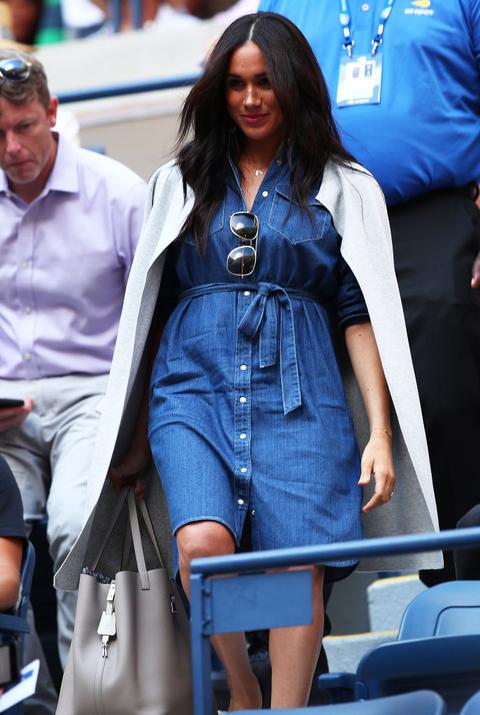 size 40 3ca17 cd8bb Vestito moda 2019: l'abito di jeans Autunno Inverno 2019 ...