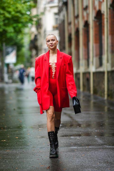 vestiti autunno inverno 2021, guarda le combo con gli abiti più di tendenza per indossare in anteprima le prossime idee outfit autunnali più cool