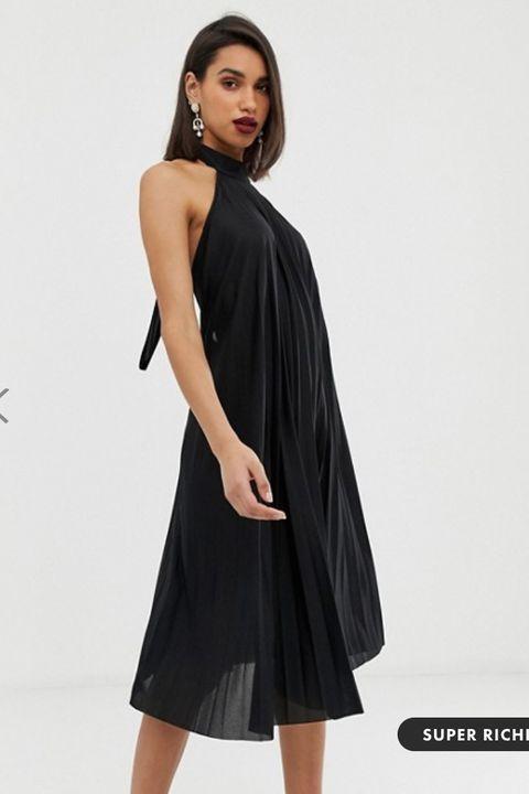Vestiti Eleganti Neri.Vestiti Neri Con La Schiena Scoperta Per L Estate 2019 Emily