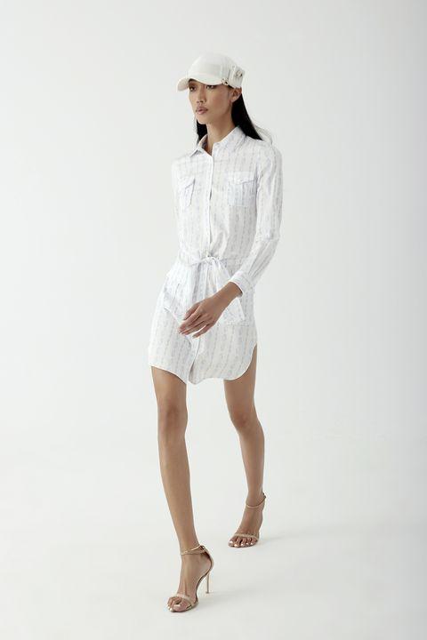 non c'è ombra di dubbio sull'abito jolly della moda 2021, il vestito chemisier significato di eleganza senza sforzo è la scelta ok per i migliori outfit di primavera