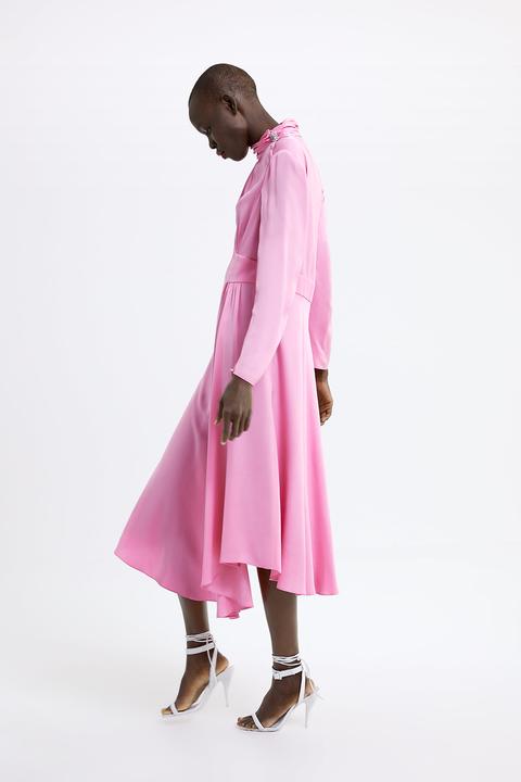 Vestiti Zara moda 2019: l'abito rosa è tendenza Primavera