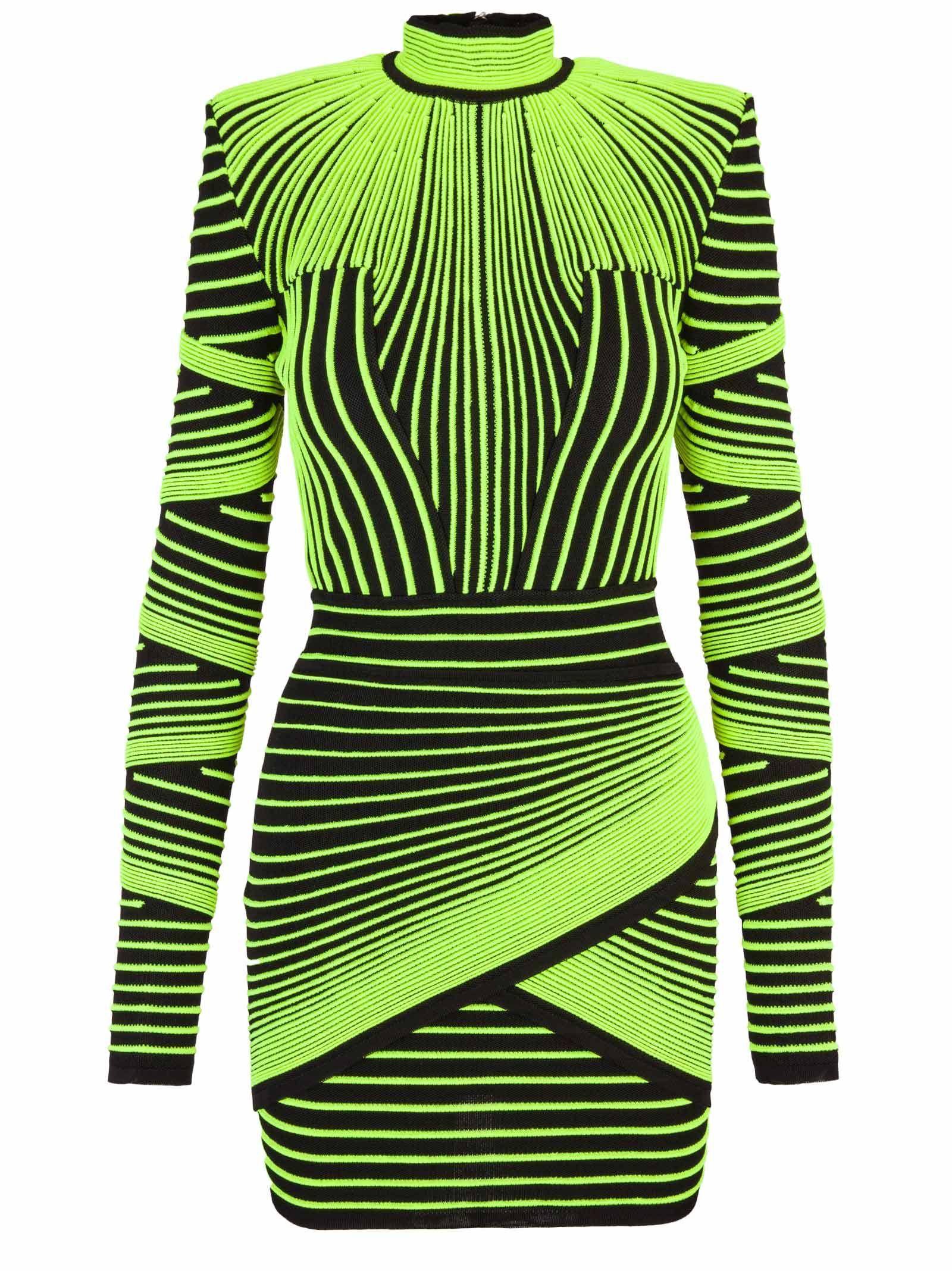 Chiara Ferragni e il vestito Balmain che si illumina al buio alla finale di X Factor 2018