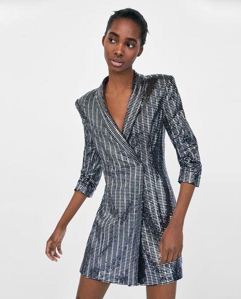 Il vestito di Zara da 70 euro che sembra l abito di Chiara Ferragni ... f565481f7e1