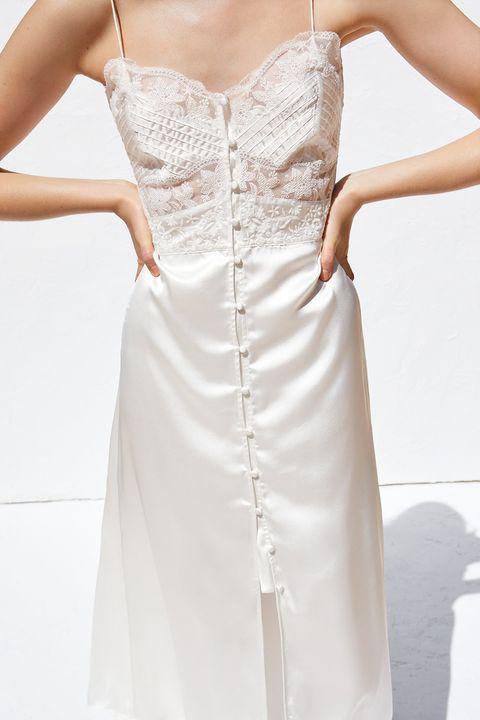 meet 9ad94 03f8f Zara, il vestito da sposa stile vintage per il 2019 esiste