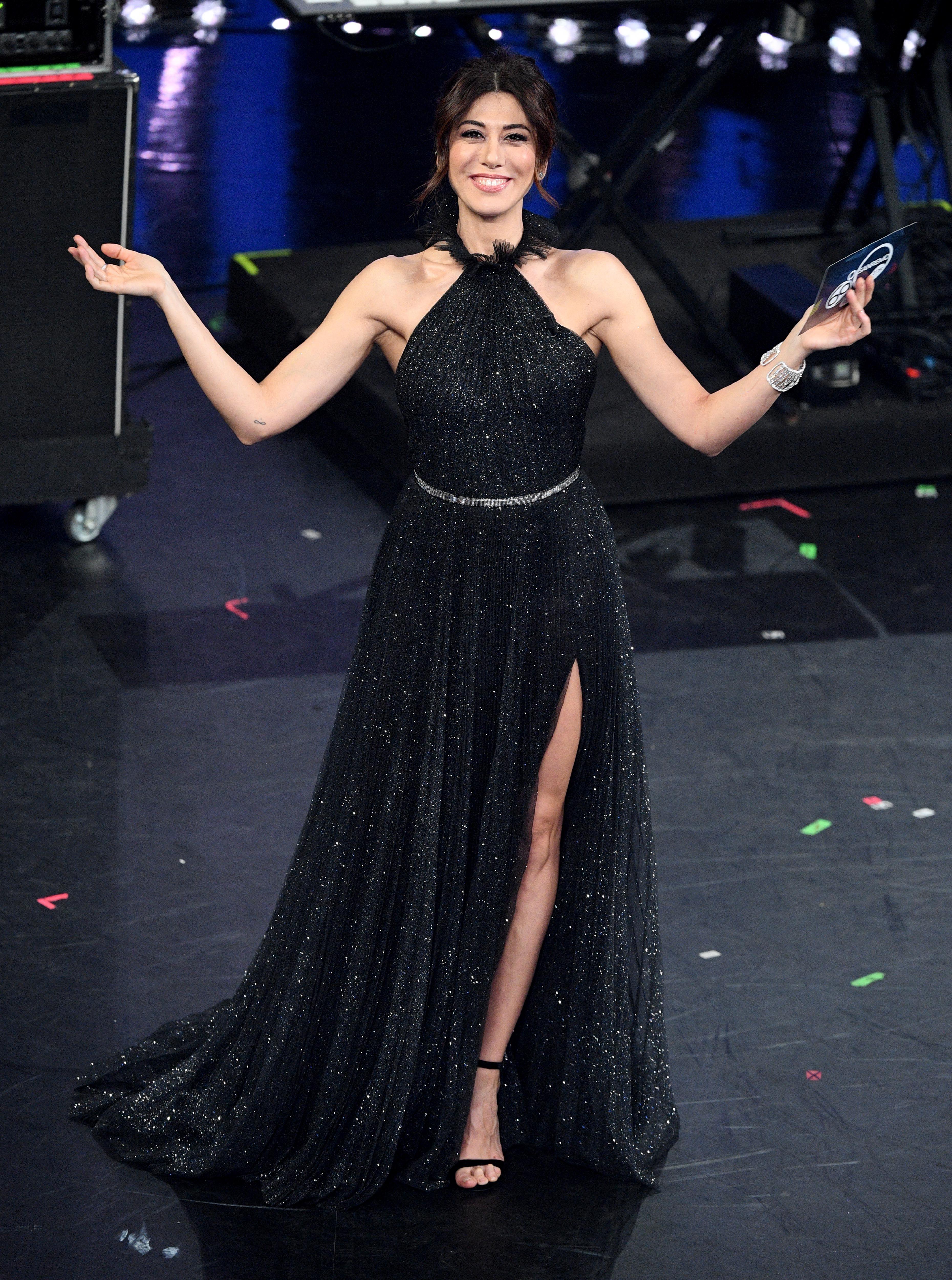 Quarta 2019 Vestiti Sanremo Di Della Raffaele I Serata Virginia xqwA4IvUn
