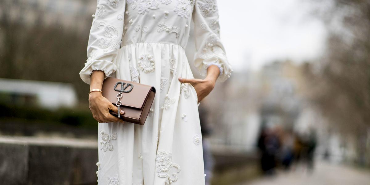 Vestiti Zara 2019: l'abito bianco è tendenza moda Primavera
