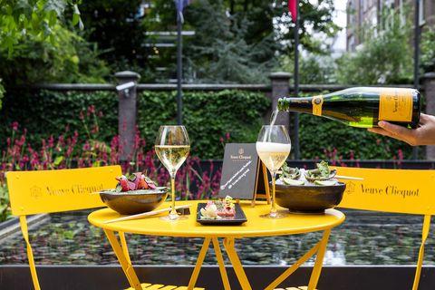 om de warme dagen en lange avonden te vieren nodigt taiko je graag uit voor de taiko summer edition op het terras van de conservatorium brasserie deze zomer