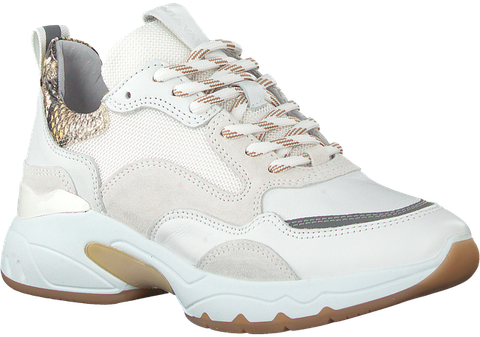 Shoe, Footwear, White, Walking shoe, Outdoor shoe, Basketball shoe, Product, Running shoe, Sneakers, Athletic shoe,