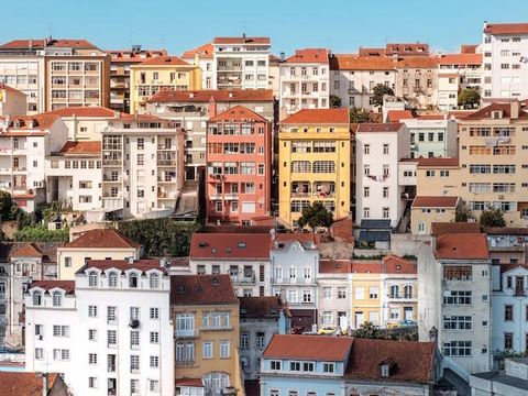 Residential area, Neighbourhood, Town, City, Human settlement, Urban area, Suburb, Building, Property, Roof,