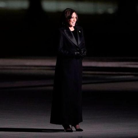 政治家カマラ・ハリスのパワーユニフォーム