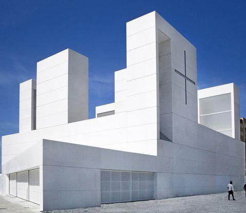 Estasiglesias son tan modernas, queno parecen iglesias