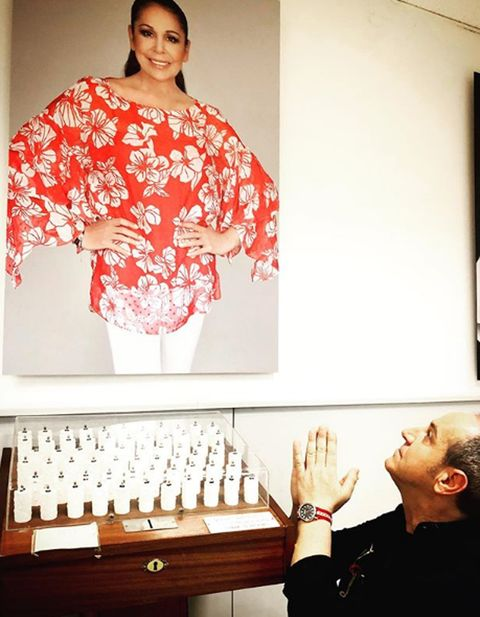 Clothing, Kimono, Costume, Room, Dress, Style,