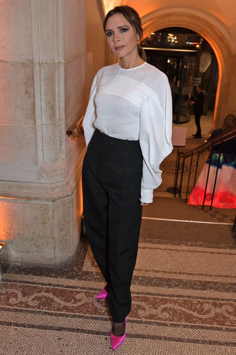 2e24e0025cbf Victoria Beckham mastered the highlighter heel at the Portrait Gala ...