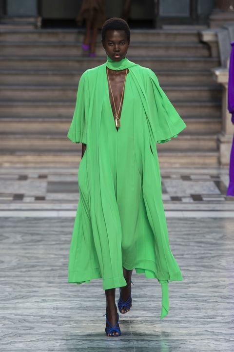 Fashion, Clothing, Green, Fashion show, Fashion model, Outerwear, Fashion design, Runway, Haute couture, Event,