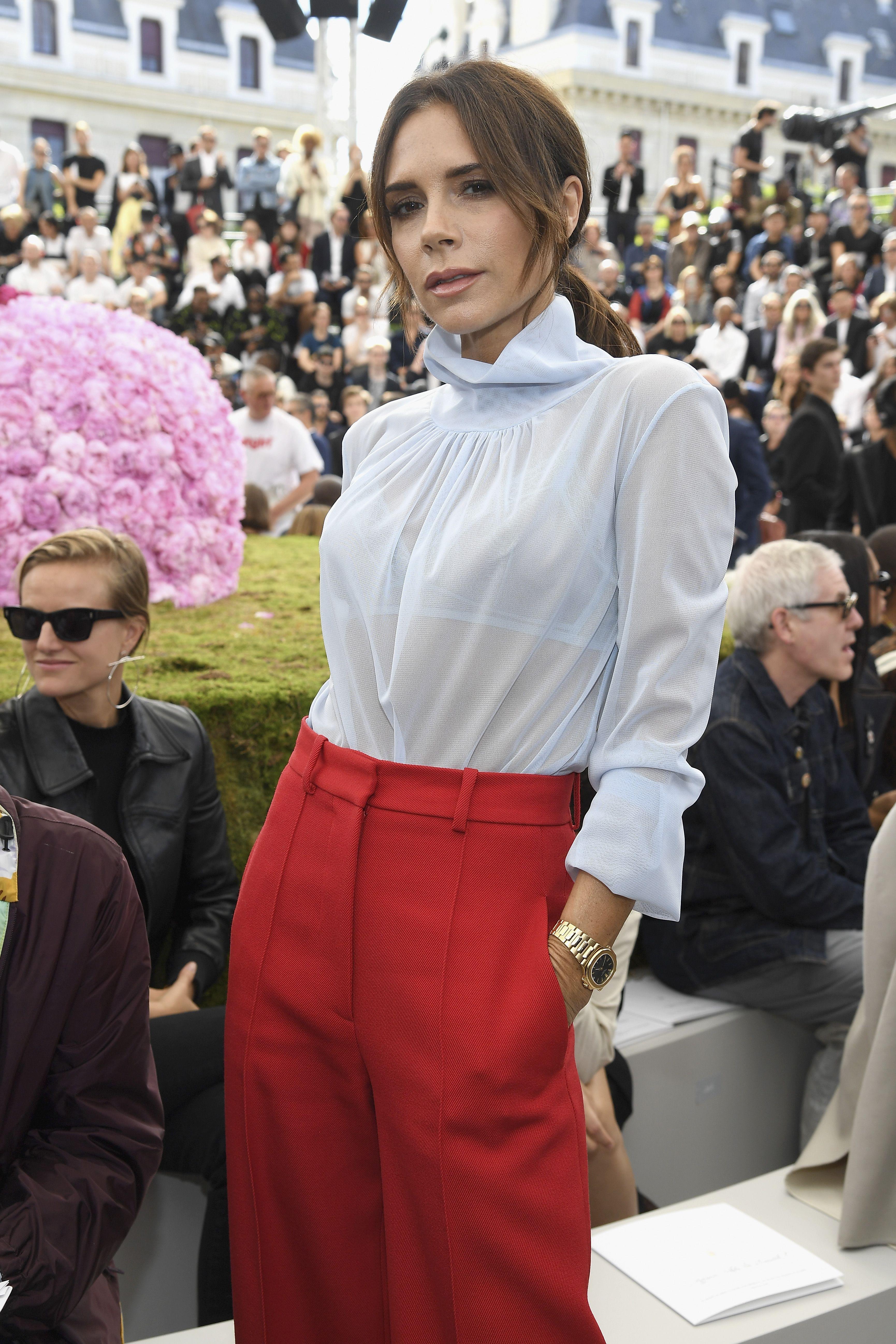 Victoria Beckham confirma que estas sandalias seguirán siendo tendencia este año pero en un nuevo color