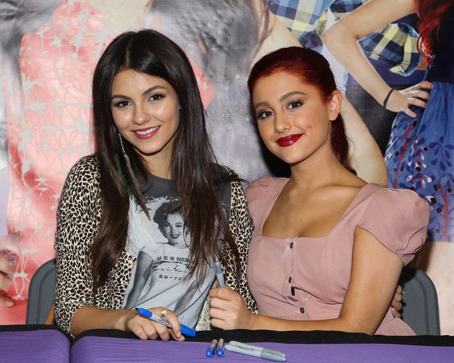 """cast of nickelodeon's """"victorious"""" soundtrack cd signing"""