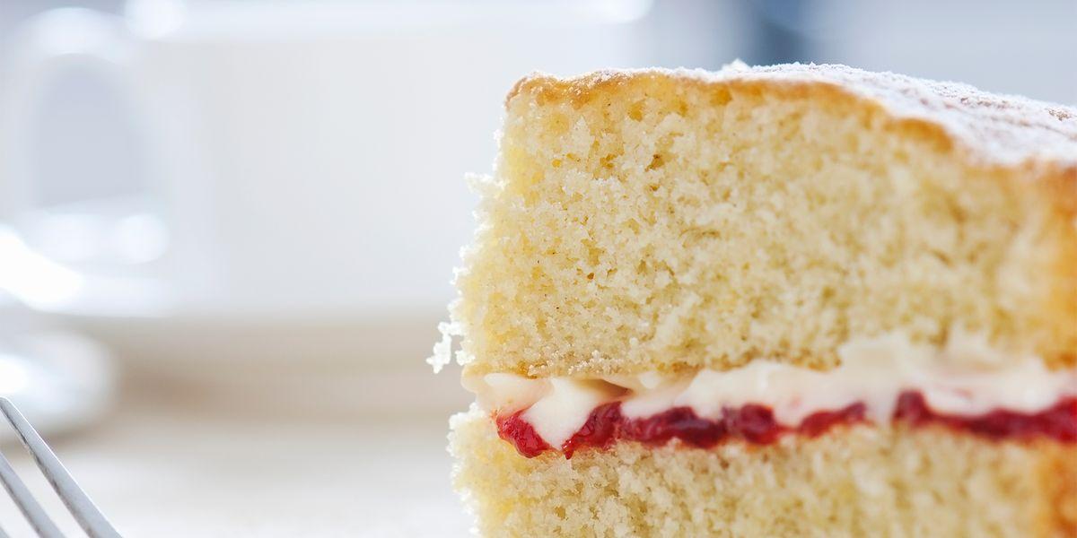 Mary Berry No Longer Follows A Traditional Victoria Sponge Recipe