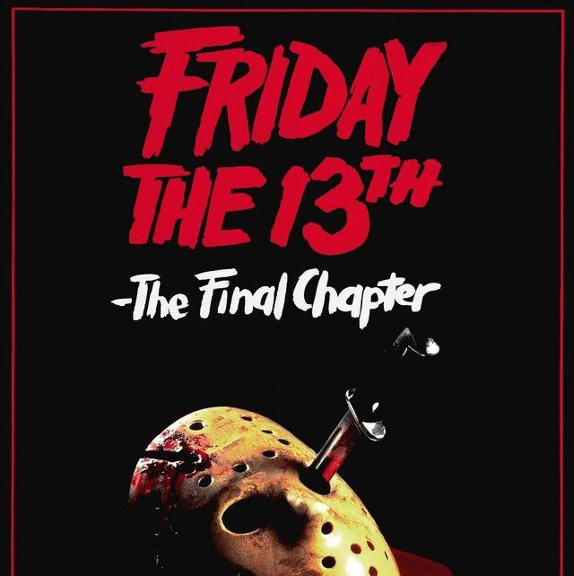 la mascara de jason, asesino de las peliculas de viernes 13, con un cuchillo clavado, y llena de sangre
