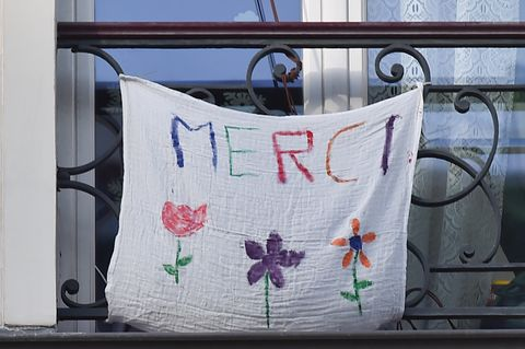 france's coronavirus death rate continues to slow but country remains on lockdown