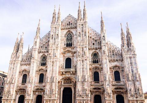 view of duomo santa maria del fiore located in milan city, italy