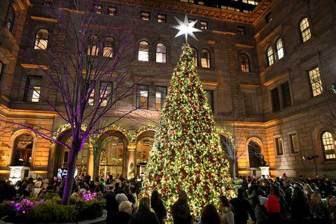 Lotte New York Palace Annual Tree Lighting