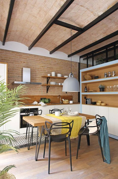Room, Furniture, Interior design, Building, Property, Table, Dining room, Floor, Ceiling, House,