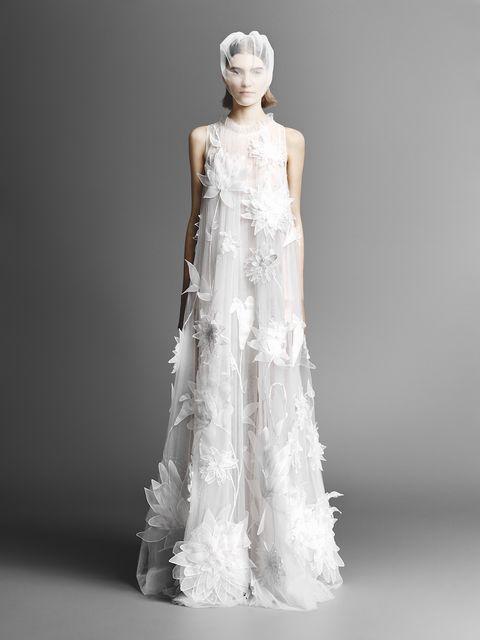 Viktor   Rolf e gli abiti da sposa che fanno tanto Meghan Markle 7eb0efa7dfd