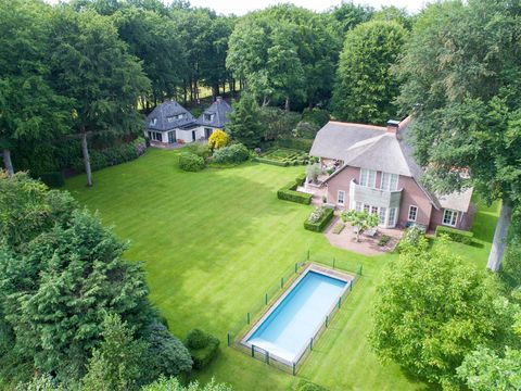 Property, Green, House, Estate, Lawn, Land lot, Grass, Yard, Aerial photography, Home,