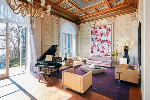 Interior design, Room, Living room, Ceiling, Property, Building, Furniture, House, Wall, Home,